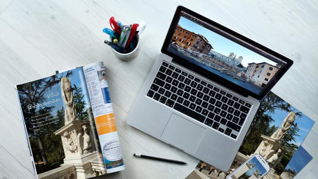 laptop-fotos-tisch